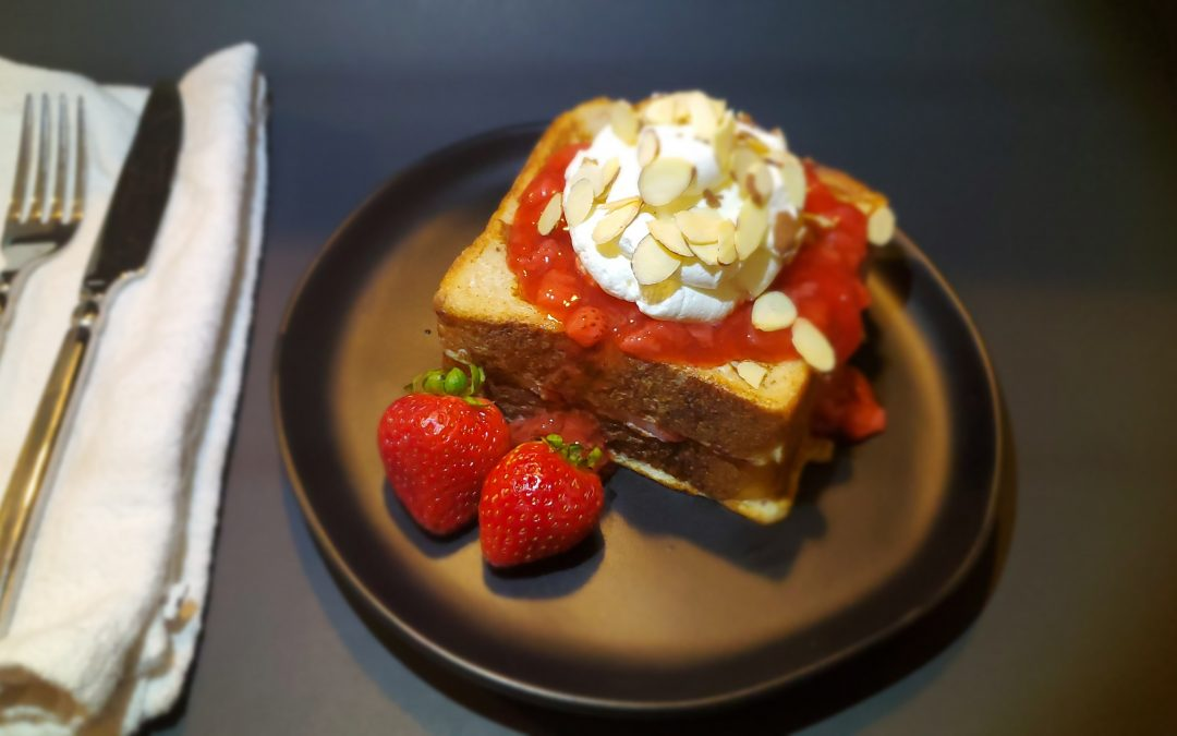 Strawberries & Creme French Toast